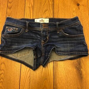 Hollister Jean Shortie